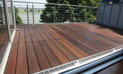 balkon mit holzrost aus bankirai. Black Bedroom Furniture Sets. Home Design Ideas